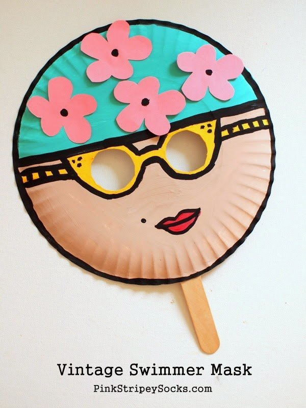 My students love making paper plate crafts. There are just so many amazing and easy ways that the humble paper plate can be used to create crafts for kids. A few that have been popular with my students include the watermelon purse, paper plate magnet maze and the paper plate flying saucer.