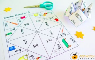 These Phonics Cootie Catchers and Fortune Tellers are a great way to get your students reviewing important phonics skills and are loved by kids of all ages!